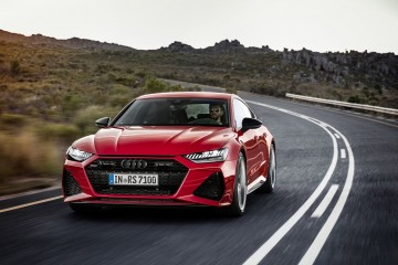 Audi RS 7 Sportback_tango red_dynamic