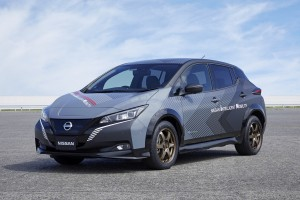 Nissan build EV test car with twin-motor wheel control technology (1)