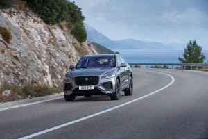 Jag_F-PACE_21MY_03