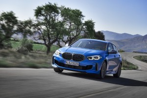 P90349565_highRes_the-all-new-bmw-1-se (3)